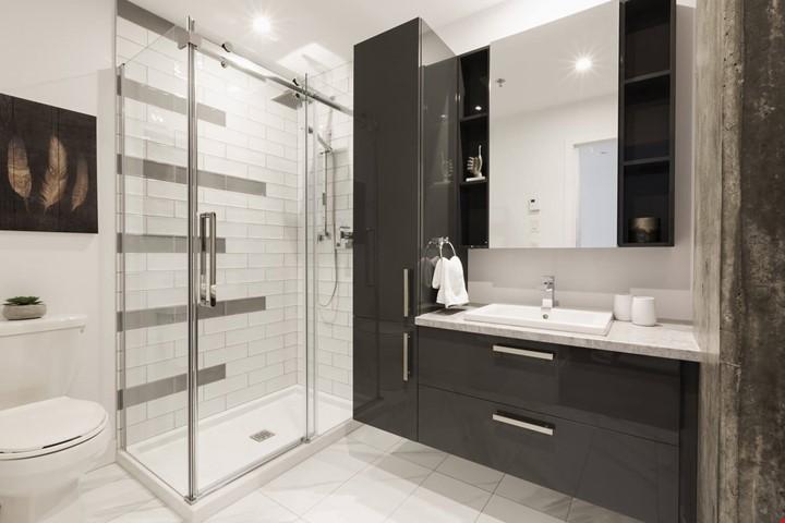 Logement modèle - salle de bain